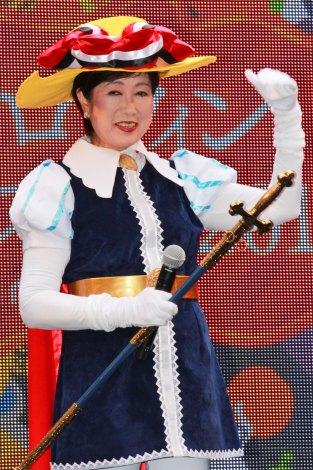 『池袋ハロウィンコスプレフェス2016』オープニングセレモニーにリボンの騎士コスプレで登場した、東京都知事の小池百合子氏 (C)oricon ME inc.