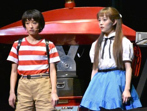 ミュージカル『わたしは真悟』公開ゲネプロに参加した(左から)門脇麦、高畑充希 (C)ORICON NewS inc.