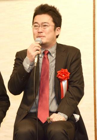 大号泣&異例の着席スピーチをした中野量太監督=『新藤兼人賞』の授賞式 (C)ORICON NewS inc.