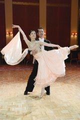 草刈民代が『ドクターX』第9話(12月8日放送)で社交ダンスを披露。映画『Shall we ダンス?』以来、約20年ぶり(C)テレビ朝日