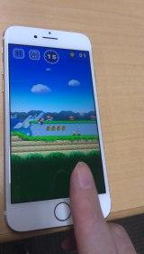 画面をタップすることでマリオがジャンプ!