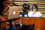 前半はリラックススタイルで視聴者の質問に答えた Photo by 岸田哲平