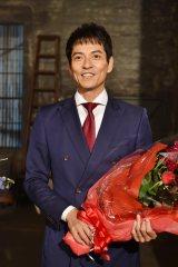 日本テレビ系連続ドラマ『レンタル救世主』(毎週日曜 後10:30)がクランクアップした沢村一樹 (C)日本テレビ