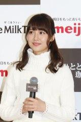 会見に登壇した乃木坂46の衛藤美彩