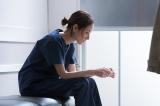 医師としてか母としてか…究極の選択を迫られる志帆(吉田羊)(C)関西テレビ