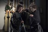 時代劇ドラマ『医師 問題無ノ介2』に出演する(左から)杉良太郎、EXILE/三代目 J Soul Brothers・小林直己(C)BeeTV