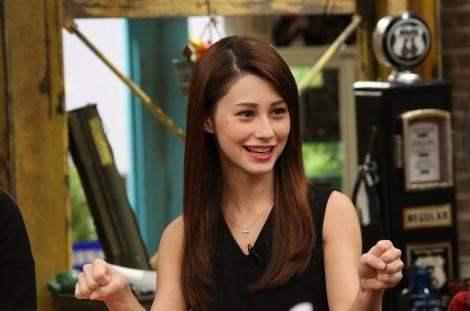 12月24日放送、関西テレビ『おかべろ』ゲストはダレノガレ明美(C)関西テレビ