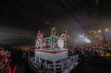 『ももいろクリスマス2016 〜真冬のサンサンサマータイム〜』の模様photo by HAJIME KAMIIISAKA+Z