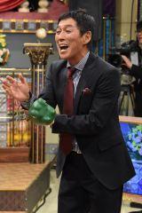 メダリストたちにお笑い怪獣・さんまが立ちはだかる (C)NTV