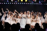 AKB48劇場で行われた島崎遥香の卒業公演の模様 (C)AKS