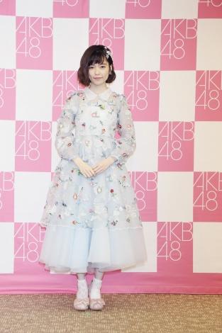 ドレスを着た島崎遥香