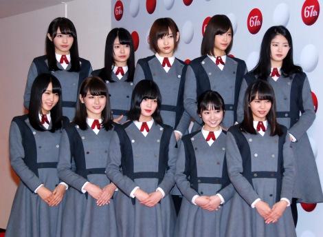 欅坂46(前列左から)菅井友香、守屋茜、平手友