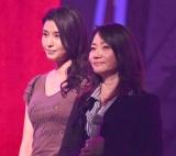『第67回紅白歌合戦』リハーサル2日目に参加した(左から)橋本マナミ、香西かおり (C)ORICON NewS inc.