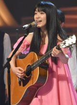 【紅白】miwa、熊本の中学生と熱唱