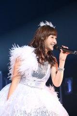年越しライブ『Hello!Project COUNTDOWN PARTY 2016 〜 GOOD BYE & HELLO!〜』に出演した藤本美貴