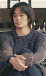 1月13日スタート、テレビ東京系ドラマ24『バイプレイヤーズ〜もしも6人の名脇役がシェアハウスで暮らしたら〜』第2話にゲスト出演する池松壮亮