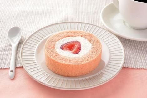 サムネイル 『プレミアム あまおう苺のロールケーキ』(210円)