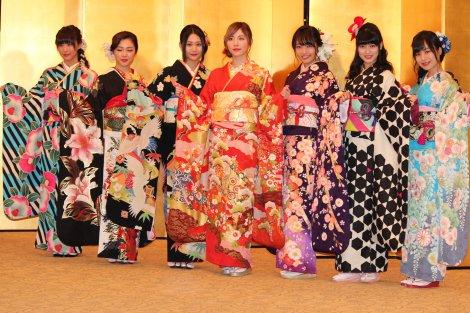 SKE48の新成人メンバー (左から)鎌田菜月、石田安奈、古畑奈和、松井珠理奈、二村春香、東李苑、青木詩織 (C)ORICON NewS inc.