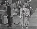 第7回日本レコード大賞での初の大賞受賞直後、『第16回NHK紅白歌合戦』で「柔」を熱唱