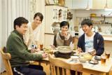 この家族に待ち受ける試練の連続とは?(左から)三浦友和、前田敦子、黒木瞳、工藤阿須加(C)テレビ朝日