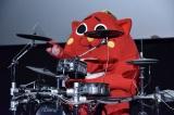 ドラム演奏を披露したにゃんごすたー=映画『僕らのごはんは明日で待ってる』大ヒット舞台あいさつ