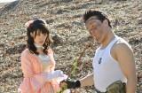 キャンプのノウハウを学ぶシーン=ドラマ『レンタルの恋』(C)TBS
