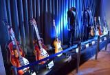 会場に展示されたライブやレコーディングに使用された楽器 (C)ORICON NewS inc.