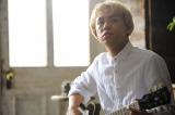 クールかつセクシーなギター演奏シーン photo by Kayoko Yamamoto