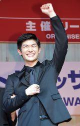授賞式ではとびっきりの笑顔で喜びのスピーチをした三浦春馬 (C)ORICON NewS inc.