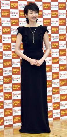 『第28回 日本ジュエリー ベストドレッサー賞』表彰式に出席した賀来千香子 (C)ORICON NewS inc.