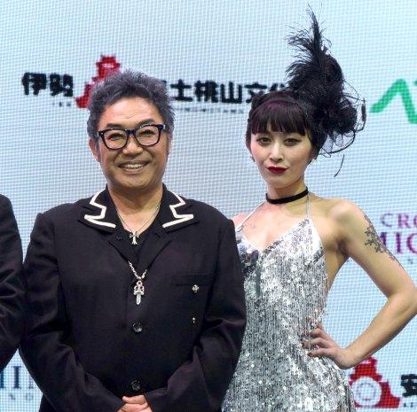 (左から)コロッケ、MVPのacha=「CROKET MIMIC TOKYO」オープン1周年記念公開オーディションバトル (C)ORICON NewS inc.