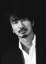 テレビ東京系ドラマ『バイプレイヤーズ〜もしも6人の名脇役がシェアハウスで暮らしたら〜』にゲスト出演する眞島秀和