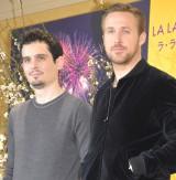 映画『ラ・ラ・ランド』の記者会見に出席した(左から)デイミアン・チャゼル監督、ライアン・ゴズリング (C)ORICON NewS inc.