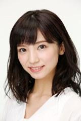 舞台『黒薔薇アリス』に出演する入来茉里(アリス/アニエスカ)