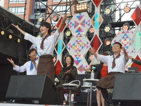 ドラマ『グ・ラ・メ!』presents 夏祭りスペシャルイベントで主題歌の振り付けをレクチャー