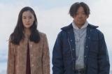 映画『彼女がその名を知らない鳥たち』にW主演する(左から)蒼井優、阿部サダヲ (C)2017映画「彼女がその名を知らない鳥たち」製作委員会