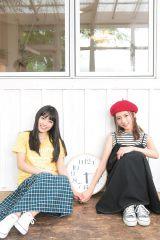 映画『君と100回目の恋』で共演する(左から)miwa、真野恵里菜 (C)Takeo Dec./集英社