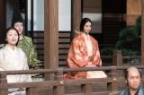 NHK大河ドラマ『おんな城主 直虎』第5回(2月5日放送)より。何かをにらみつけているような鋭いまなざしの瀬名(菜々緒)