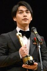 『2016年 第90回キネマ旬報ベスト・テン』主演男優賞の柳楽優弥 (C)ORICON NewS inc.