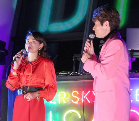 『SUPER SKYTREE DISCO』オープニングセレモニーに出席した(左から)田中美奈子、マイケル富岡 (C)ORICON NewS inc.