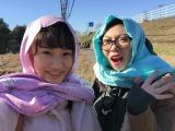 2月28日放送、NHK・Eテレ『みちたび!』より。旅人の高校生。生まれて初めて「ハラール」を体験する櫻さん(左)と世怜奈さん(右)(C)NHK