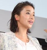 新感覚イヤホンの聴き心地に感激していた高橋メアリージュン (C)ORICON NewS inc.