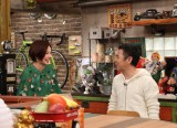 約1年半ぶりに再会した(左から)ベッキーと岡村隆史(C)関西テレビ