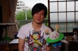 """NHK・Eテレ『コノマチ☆リサーチ』4月5日スタート。主人公・ハジメを演じるのはイラストレーターの岸田メル。宇宙人ズビ(CV:久野美咲)と""""まち""""について調べます(C)NHK"""