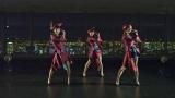 東京タワーと夜景をバックに新曲「TOKYO GIRL」を披露したPerfume