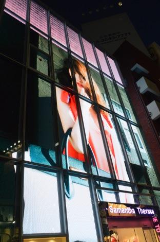 『小嶋陽菜×Sweet×Samantha Thavasa』スペシャルコラボショップの外装 (C)ORICON NewS inc.