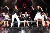 5周年・5人の新体制始動ライブ『フェアリーズLIVE2017-Synchronized-』の模様(左から)野元空、下村実生、伊藤萌々香、林田真尋、井上理香子