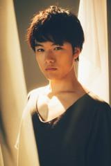 舞台『きっといいKotoあるravel』に主演する入江甚儀