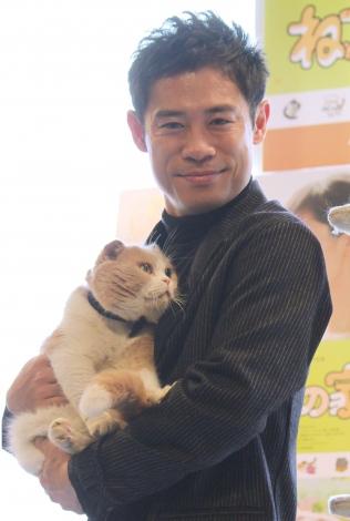猫にメロメロの伊藤淳史 =映画『ねこあつめの家』試写会イベント (C)ORICON NewS inc.