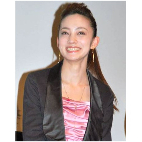 サムネイル 結婚を発表した英玲奈 (C)ORICON NewS inc.